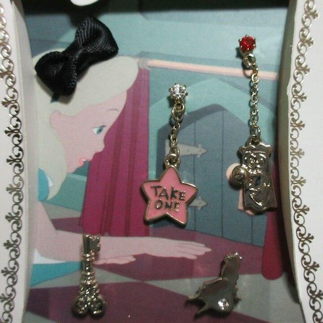 Disney(ディズニー)のピアスセット「ふしぎの国のアリス」アリス レディースのアクセサリー(ピアス)の商品写真
