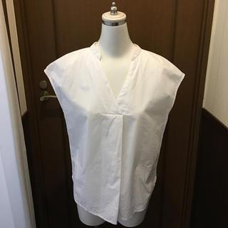 ジーユー(GU)のGU スキッパーシャツ ホワイトS(シャツ/ブラウス(半袖/袖なし))