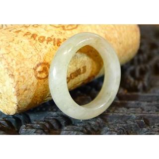 J486 780円 ヒスイ翡翠リング指輪 9号 ジェイド ライトミルキーグリーン(リング(指輪))
