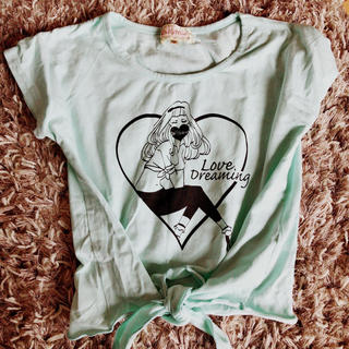 セシルマクビー(CECIL McBEE)のドーリーミュウてろん前結びTシャツ(Tシャツ/カットソー)