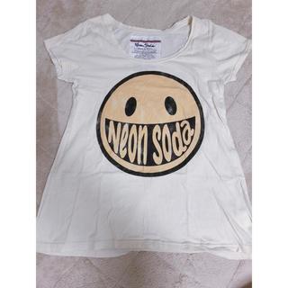 ネオンソーダ(Neon Soda)のにこちゃんTシャツ(Tシャツ(半袖/袖なし))