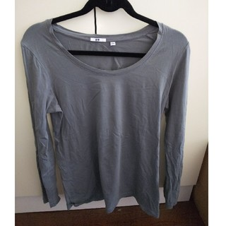 ユニクロ(UNIQLO)の【USED】UNIQLOロングTシャツ(濃いグレー)(Tシャツ(長袖/七分))