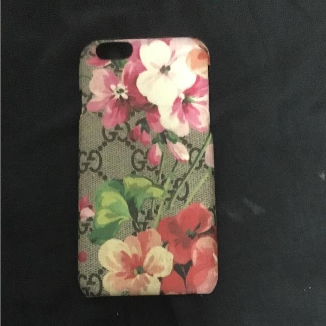 Gucci - GUCCI iphoneケース の通販 by あんちょび's shop|グッチならラクマ