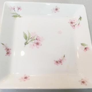 ニッコー(NIKKO)のNIKKO 花模様 角皿(食器)