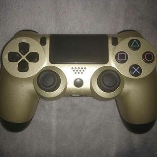 プレイステーション4(PlayStation4)のPS4ワイヤレスコントローラー (DUALSHOCK 4) [ゴールド]  (その他)
