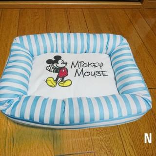 ディズニー(Disney)の【新品】Disney ミッキーマウス ひんやり清感ペット用ベッド 夏に!(犬)