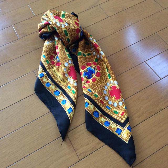 90cfd12daef0 Yves Saint Laurent Beaute(イヴサンローランボーテ)のイヴサンローラン 絹スカーフ
