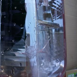 トヨタ(トヨタ)の送料込み ハイエース テールランプ(左側)(車種別パーツ)