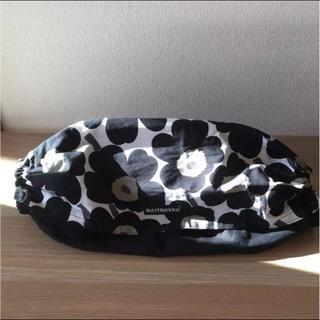 マリメッコ(marimekko)のエルゴ 360 収納カバー  マリメッコ ウニッコ 黒(抱っこひも/おんぶひも)