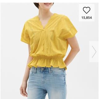 ジーユー(GU)のほぼ未使用 GUスカラップレース(シャツ/ブラウス(半袖/袖なし))