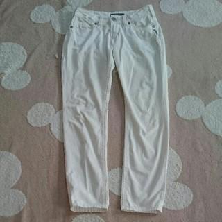 シルバージーンズ(Silver JEANS)の白 スキニー パンツ(スキニーパンツ)