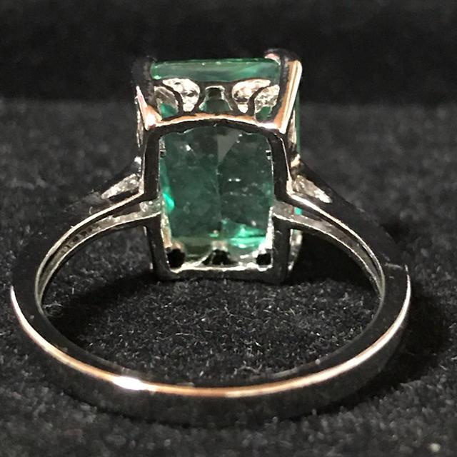 新品✨ボリューミー天然エメラルドリング18号💍スターリングシルバー925 レディースのアクセサリー(リング(指輪))の商品写真