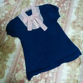 アトモスフィア(ATMOSPHERE)のリボン襟パフスリーブトップス(Tシャツ(半袖/袖なし))