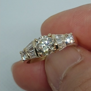 お値下げ中 トータル1.403カラット ダイヤモンドデザインリング 新品(リング(指輪))