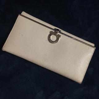 サルヴァトーレフェラガモ(Salvatore Ferragamo)のガンチーニ 長財布(財布)