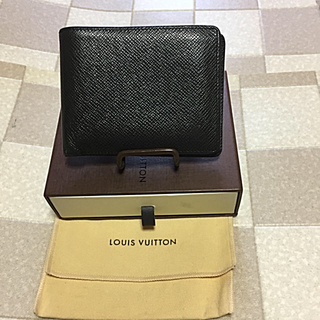 ルイヴィトン(LOUIS VUITTON)のセール   ルイ  ヴィトン  タイガ  おり財布  保管箱 他  (財布)
