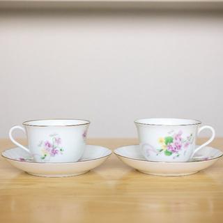オオクラトウエン(大倉陶園)の大倉陶園 スミレのカップ&ソーサー 2客 -1(グラス/カップ)