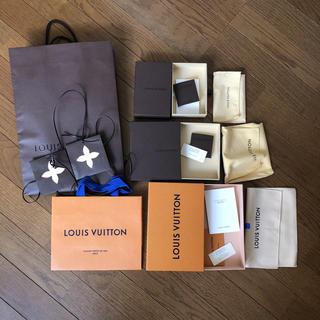 ルイヴィトン(LOUIS VUITTON)のルイ・ヴィトン 箱 紙袋 収納袋 インテリア、リメイクに!(その他)