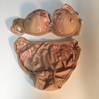 R-KOMO  女性下着  ブラ&ショーツ  Lサイズ  ベージュ. 新品未使用(ブラ&ショーツセット)