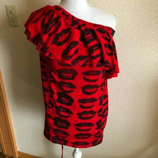 チュチュア(tutuHA)のチュチュア tutuHA リップ柄 トップス フリーサイズ レッド(Tシャツ(半袖/袖なし))