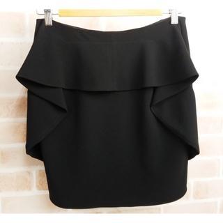 サカヨリ(sakayori)の美品 サカヨリ sakayori. ☆ ペプラム スカート 38 黒 日本製(ひざ丈スカート)