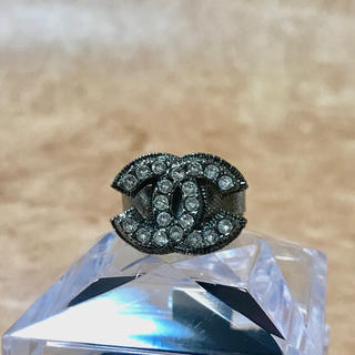 シャネル(CHANEL)の正規品 シャネル 指輪 ココマーク ラインストーン ブラック シルバー リング(リング(指輪))
