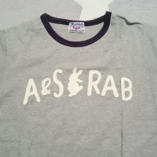 エーズラビット(Asrabbit)のTシャツ(Tシャツ(半袖/袖なし))