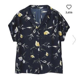 ジーユー(GU)のジーユー★フラワープリントシャツ(シャツ/ブラウス(半袖/袖なし))