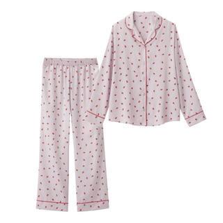 ジーユー(GU)の新品タグ付き♡いちごサテンパジャマ♡ライトパープル(パジャマ)