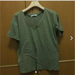 スライ(SLY)のSLY カーキVネックtシャツ(Tシャツ(半袖/袖なし))