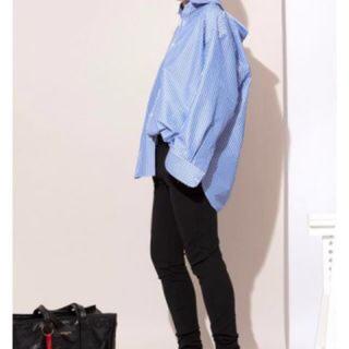 バレンシアガ(Balenciaga)のバレンシアガ ピンチドカラーシャツ (シャツ)