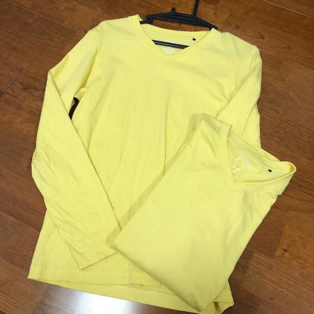GU(ジーユー)の無地 黄色 Tシャツ レディースのトップス(Tシャツ(長袖/七分))の商品写真