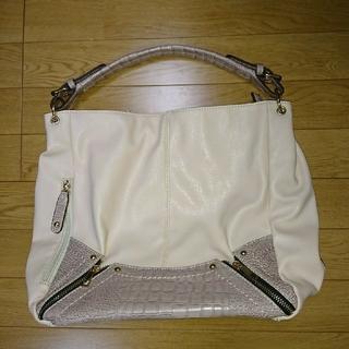 アンナルナ(ANNA LUNA)の2 way ショルダーバッグ  新品ポケットいっぱい ピンクベージュ A4対応(ショルダーバッグ)