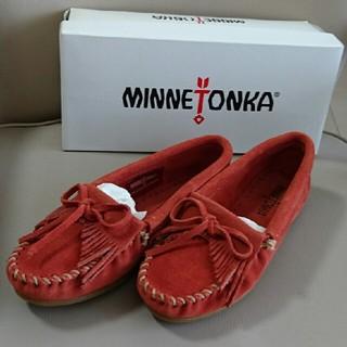 ミネトンカ(Minnetonka)のMiina様専用 新品 MINNETONKA モカシン オレンジ size5(スリッポン/モカシン)
