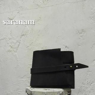 サラナン(saranam)の【未使用】SARANAM レザーコンパクトウォレット 黒(財布)