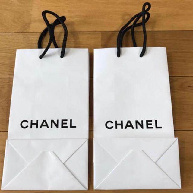 f715153d06ab CHANEL - 値下げ! CHANEL 紙袋3枚 鉛筆2本等々セットの通販 by ...