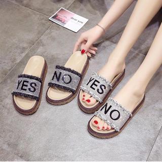 【取寄】Yes&Noキラキラ石付き厚めソールサンダル 2色(サンダル)
