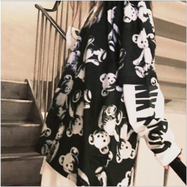 FUNKY FRUIT(ファンキーフルーツ)のスケルトンテディ総柄ドロップショルダー レディースのトップス(Tシャツ(半袖/袖なし))の商品写真