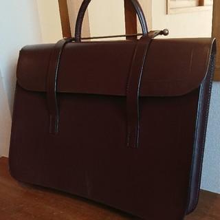 グレンロイヤル(GLENROYAL)の新品!英国製ラザフォードミュージックケース!ブライドルレザー バーガンディ(ビジネスバッグ)