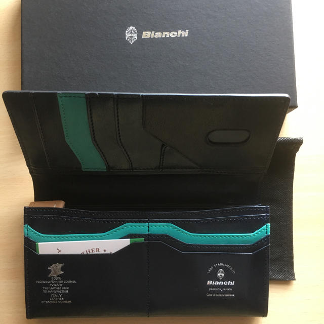 697c16c1dc53 Bianchi - イタリア製本革ビアンキ長財布ネイビー未使用品の通販 by ...