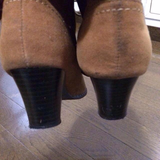 本日限定!チェック柄のブラウンブーツ レディースの靴/シューズ(ブーツ)の商品写真