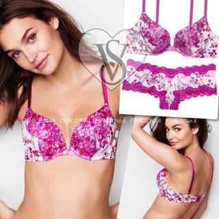 ヴィクトリアズシークレット(Victoria's Secret)の新品♡VICTORIA'S SECRET♡ブラ32C&ショーツS2枚(ブラ&ショーツセット)