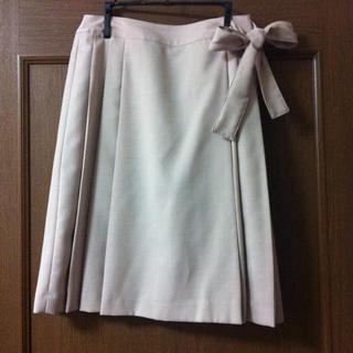 バーニーズニューヨーク(BARNEYS NEW YORK)のリボン巻きスカート(ひざ丈スカート)