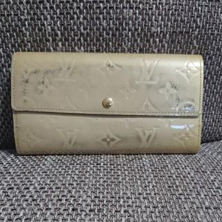 ルイヴィトン(LOUIS VUITTON)のLouis Vuitton ヴェルニ クリーム色 長財布 ルイヴィトン(財布)