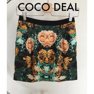 ココディール(COCO DEAL)のCOCODEAL フラワープリント タイトスカート(ミニスカート)