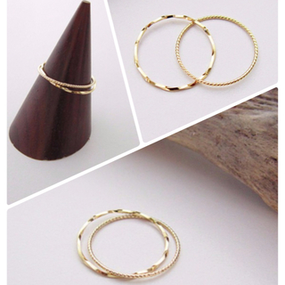 新品✨K18 リング 2連ツイスト 華奢 ピンキー(リング(指輪))
