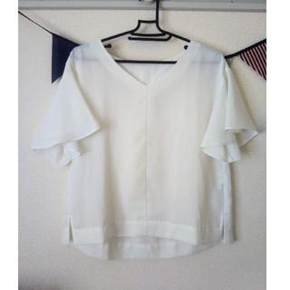 ジーユー(GU)の白ブラウス(シャツ/ブラウス(半袖/袖なし))