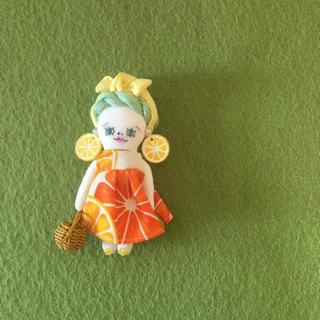 ドールチャーム   オレンジ ハンドメイドのアクセサリー(チャーム)の商品写真