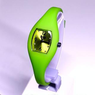 ウノアエレ(UNOAERRE)のライトグリーン【正規品/送料込】UNOAERRE イージーウォッチ(腕時計)