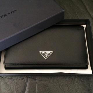 プラダ(PRADA)の新品未使用 プラダ サフィアーノ ブラック 長財布 黒 プレートロゴ 折男女兼用(財布)